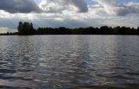 вода на озере