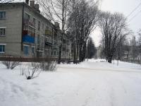 Пусто зимой во дворах